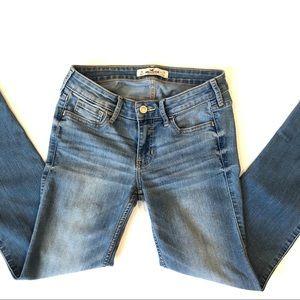 HOLLISTER JR Size 1R Light Wash Jeans 👖